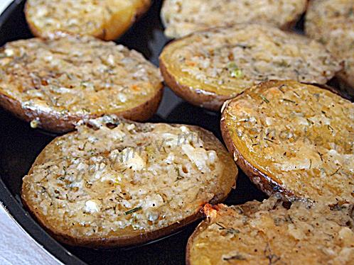 картофель в микроволновке готов