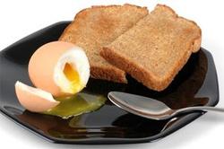 яйца всмятку в микроволновке