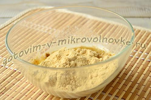 bananovyj-chizkeyk-s-tvorogom-3
