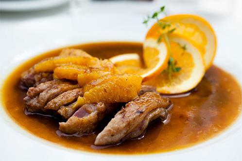 Обед в микроволновке, 3 рецепта: утка с апельсинами, курица с овощами, рыба с грибами
