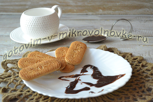 shokoladnaya-glazur-dlya-torta-iz-shokolada-recept-v-mikrovolnovke-6