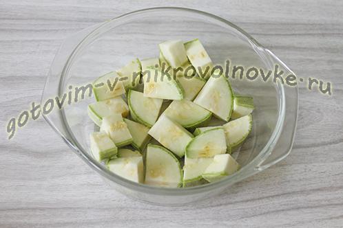 kabachkovaya-ikra-recept-foto-poshagovo-2