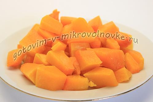 cukaty-iz-tykvy-prostoj-recept-v-mikrovolnovke-1