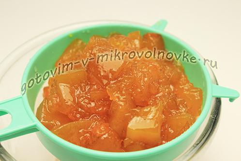 cukaty-iz-tykvy-prostoj-recept-v-mikrovolnovke-4
