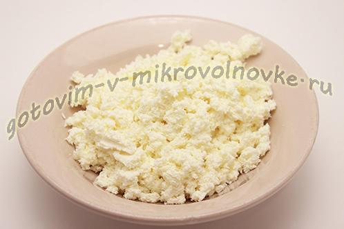 tvorozhnoe-sufle-s-bananom-v-mikrovolnovke-1