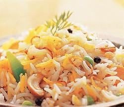 рис с овощами в микроволновке