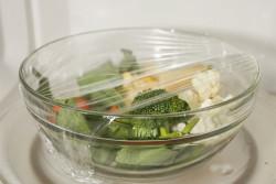 замороженные овощи в микроволновке