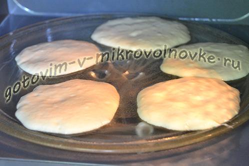 kak-prigotovit-oladi-v-mikrovolnovke-8