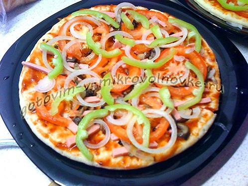 pizza-v-mikrovolnovke-za-5-minut-3