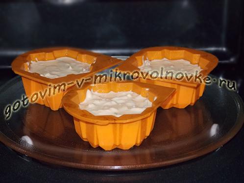 tvorozhno-yablochnoe-sufle-v-mikrovolnovke-4