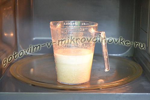 tvorozhnyj-tort-poshagovyj-recept-foto-v-mikrovolnovke-4