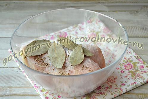 kak-varit-kurinuyu-grudku-v-mikrovolnovke-1