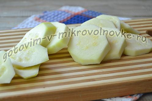 kabachki-zapechennye-s-pomidorami-i-syrom