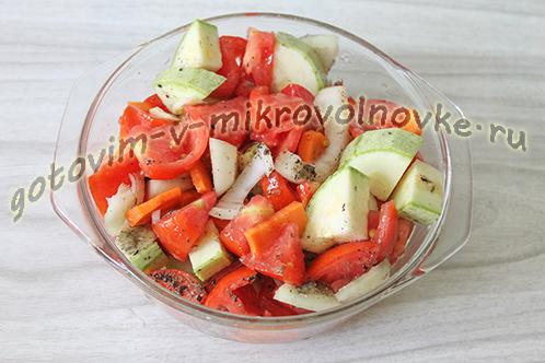 kabachkovaya-ikra-recept-foto-poshagovo-7