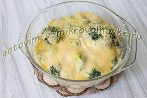 zapekanka-iz-brokkoli-s-syrom-yajcami-9
