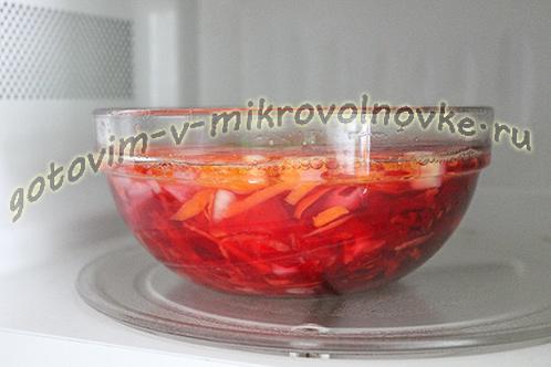 vkusnyj-borsch-so-svezhei-kapustoy-8