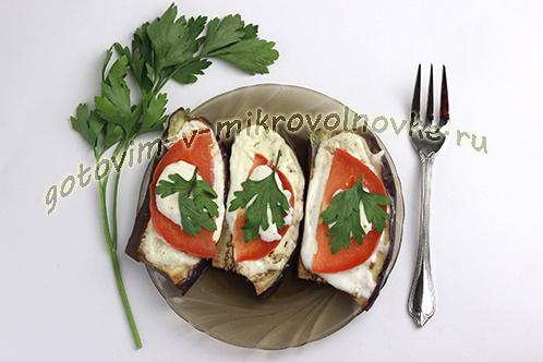 баклажаны с помидорами и чесноком в микроволновке